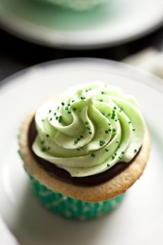 Thin Mint Cupcakes for St. Patrick's Day