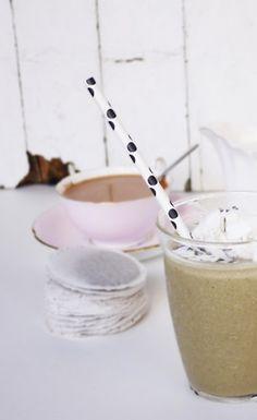 Creamy Lavender Earl Grey Smoothie. #VegaSmoothie #BestSmoothie