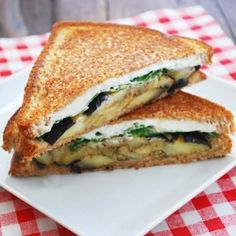 Warm eggplant sandwich – a delicious, filling vegetarian sandwich filled with roasted eggplant, goat cheese and basil.