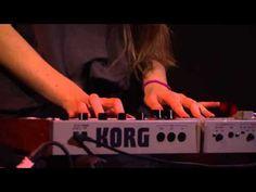 ▶ HAIM Live at iTunes Festival 2012 Full Concert - YouTube