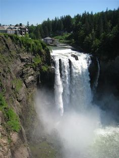 Salish Lodge Resort and Spa, Snoqualmie Falls Washington -- Haven't been there in ages. I really miss North Bend and Snoqualmie!