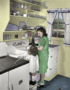 Shorpy Historical Photo Archive :: Mother's Little Helper (Colorized): 1942