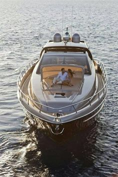 Oi Real Estate want to offer a luxury lifestyle... #ocean #lifestyle #boat #dinner #luxury