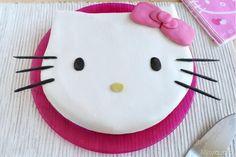 Torta Hello Kitty, scopri la ricetta: http://www.misya.info/2014/06/30/torta-hello-kitty.htm