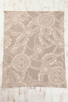 5x7 Lace Medallion Rug. $89 urban outfitters