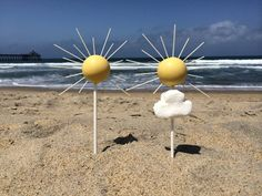 Summer is here! Learn how to how to make these fun summery cake pops with a free cake pop tutorial on the Craftsy blog!