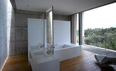 Bathroom. Sri Lanka house  Tadao Ando