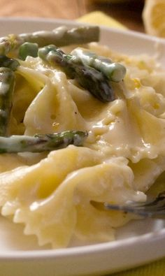 Creamy Lemon and Asparagus Pasta