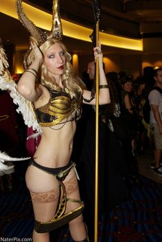 witchblade cosplay, witchblad cosplay, cosplay girl, book cosplay, hunter cosplay