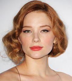 Haley Bennett - The PERFECT shade of red for summer - girls with green or hazel eyes and fair skin! (Warm toned skin)