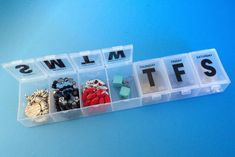 No more unintentional ring necklaces. Use a pill containers to sort your jewelry.