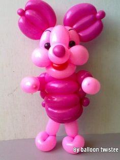 Cute balloon piglet made by Balloontwistee