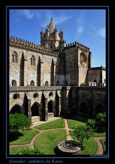 Evora Cloister, Evora, Portugal Copyright: Luis Garcia