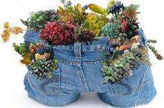 Cute idea for garden table -or- a country wedding centerpiece