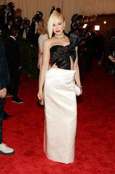 Gwen Stefani got in the punk spirit with a custom look by Maison Martin Margiela for the Met Gala!