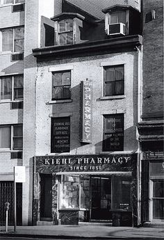 Kiehl Pharmacy - mas