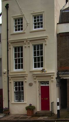 49 Cardinal's Wharf, London. The house where Sir Christopher Wren stayed while overseeing the building of St Paul's Cathedral opposite