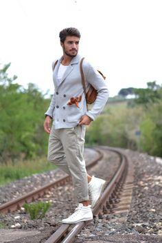 Casual look for men. Outfit para hombres, pour hommes https://www.facebook.com/bagatelleoficial Bagatelle Marta Esparza .  #casual #look #hombres outfits, casual sporti, men fashion, mariano di vaio, casual looks, style cest, italy, itali, le style