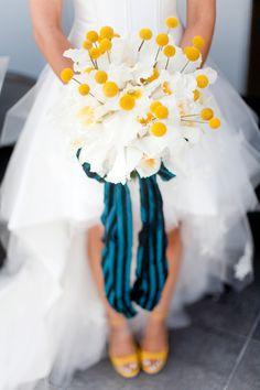 Yellow Wedding Inspiration | Amazing modern bouquet