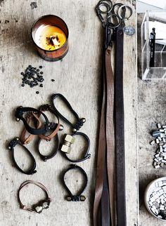 Leather bracelets (tips)