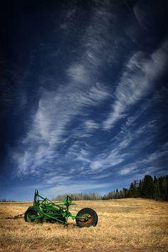 farm, forgotten field, barn, field of dreams, tractor