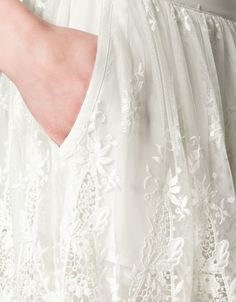 Falda de tul con bordados
