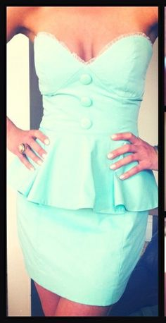 Im in love with this dress!! <3