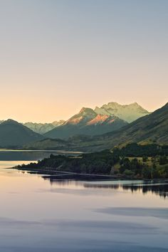 early morning at lake wakatipu, new zealand. i love these colors and the composition of this image.