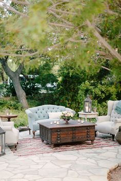 loung area, coffee tables, lounge areas, wedding designs, outdoor rooms, outdoor loung, floral designs, sitting areas, seating areas