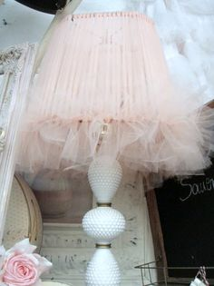 DIY...Sweet shabby lamp ~ But I'm going to do it in black.