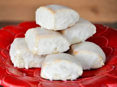 Recipe for Starbucks petite vanilla bean scones. Oh man! I love these... off to the kitchen ;)