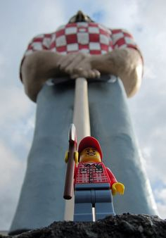 LEGO Collectible Minifigures Series 5: Lumberjack