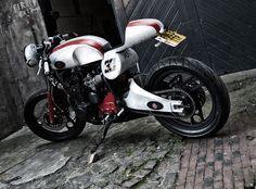 cafe racer parts | Yamaha XJ 33 Cafe Racer ~ Return of the Cafe Racers