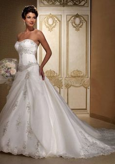 Nice A-Line/Princess Sweetheart Chapel Train Organza Satin Wedding Dresses With Embroidery Beadwork