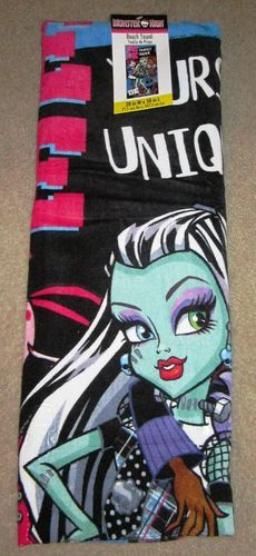 Monster High  Beach Towel