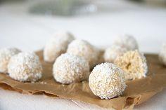 No Bake Coconut and Peanut Butter Dog Treats | Pretty Fluffy