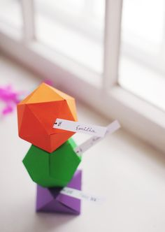 geometric (polyhedron), faceted paper favor boxes and/or place cards :: step-by-step photos, from HEYLOOK