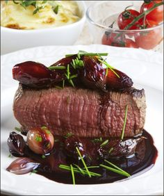 Veal with red wine glazed onions