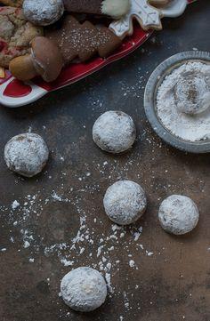 German Pfeffernusse Cookies. PineappleandCoconut.com