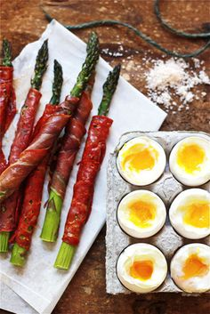 soft-boiled eggs with asparagus soldiers #easter #brunch #recipe