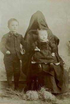 Eerie Hidden Mothers in Child Pictures  http://ridiculouslyinteresting.wordpress.com/2012/01/05/hidden-mothers-in-victorian-portraits/