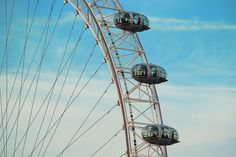 The #London Eye - tallest Ferris wheel in Europe. http://www.nyhabitat.com/blog/2014/09/15/top-10-must-see-sites-london/