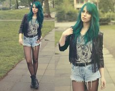 boot, chain, color, outfit, leather jackets, green hair, blog, graphic tee, cross
