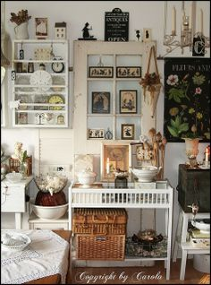 Living room wall by Boxwoodcottage, via Flickr