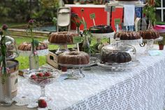 pound cakes for reception