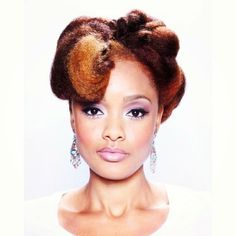 The colours, the hairstyle, the updo...wow! #naturalhair #protectivestyle #sophisticated