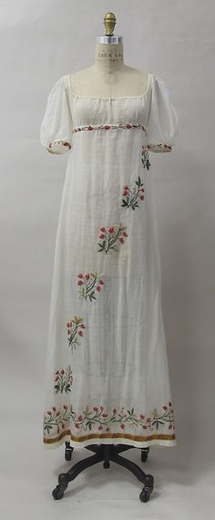 Dress, ca. 1805, French, cotton, wool, metal. In the Metropolitan Museum of Art collection. (More pictures of this dress are available on the museum's website.)