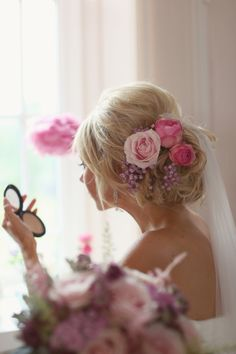 Real pink flowers in her hair, from 'A Pastel Pink and Romantic Homemade, Humanist Wedding'  http://www.craigsandersphotography.co.uk/ Pink Flowers, Hair Flowers, Wedding Hair, White Rose, Soft Pink, Hair Wedding, Ana Rosa, Hair Style, Fresh Flowers