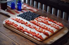 Fruit Pizza for our July 4th party this year!! cute!