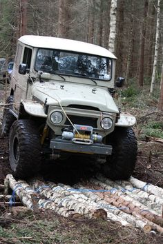 Metal Tech being represented in Norway. An FJ40 with our tube fenders practicing building log bridges out in the middle of the forest.